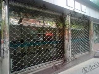 不锈钢鱼鳞网卷帘门4